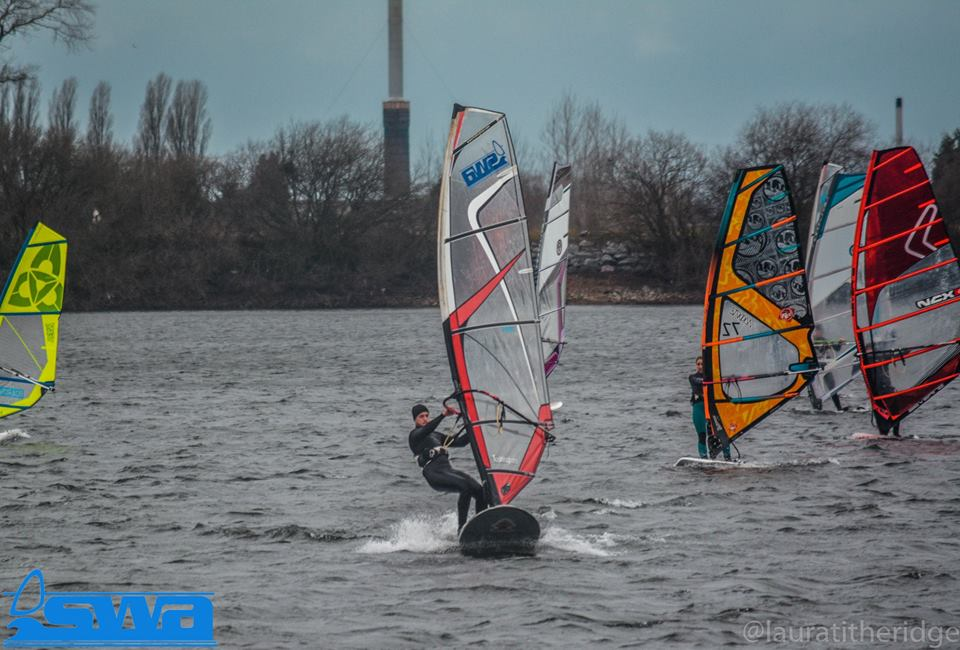 Windy Chasewater Reservoir!!